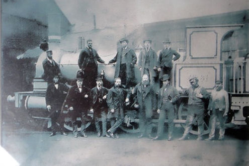 1867 Engine (no.61 for Denmark) and Shildon engineers
